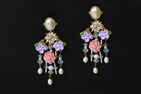final look of the flower bead stud earrings